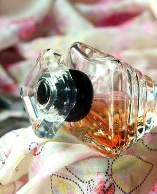 Co wpływa na wyjątkowy zapach perfum